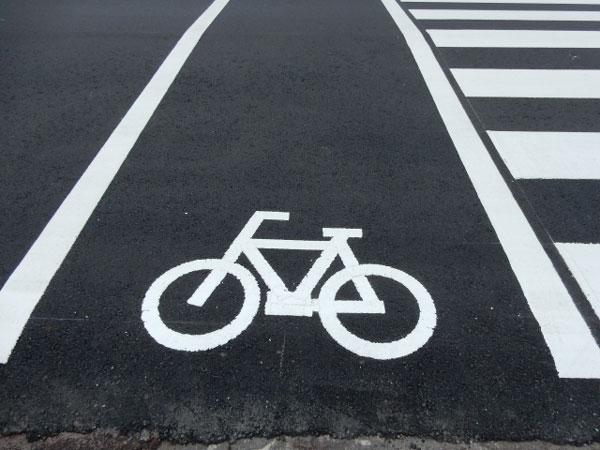 自転車の走る道