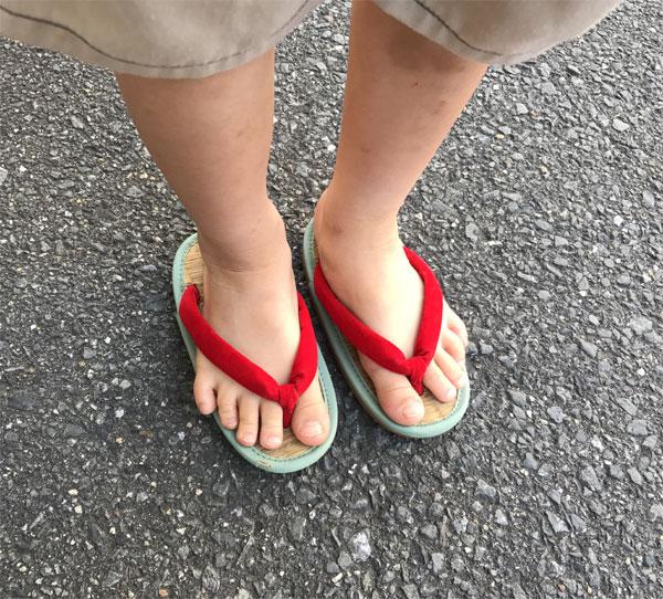 ミサトっ子草履の正しい履き方